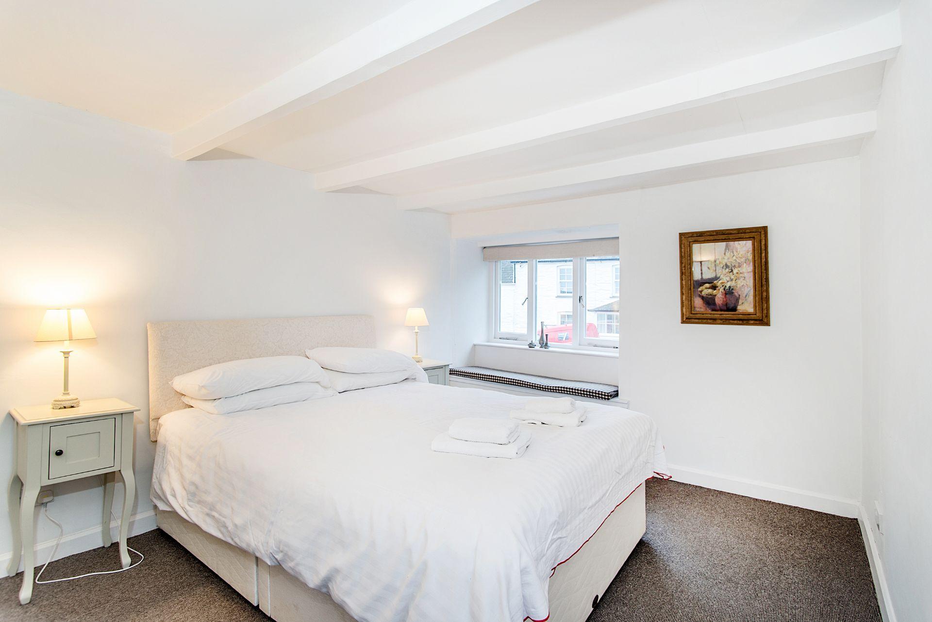 Ty Gwn; Portscatho; Double Bedroom