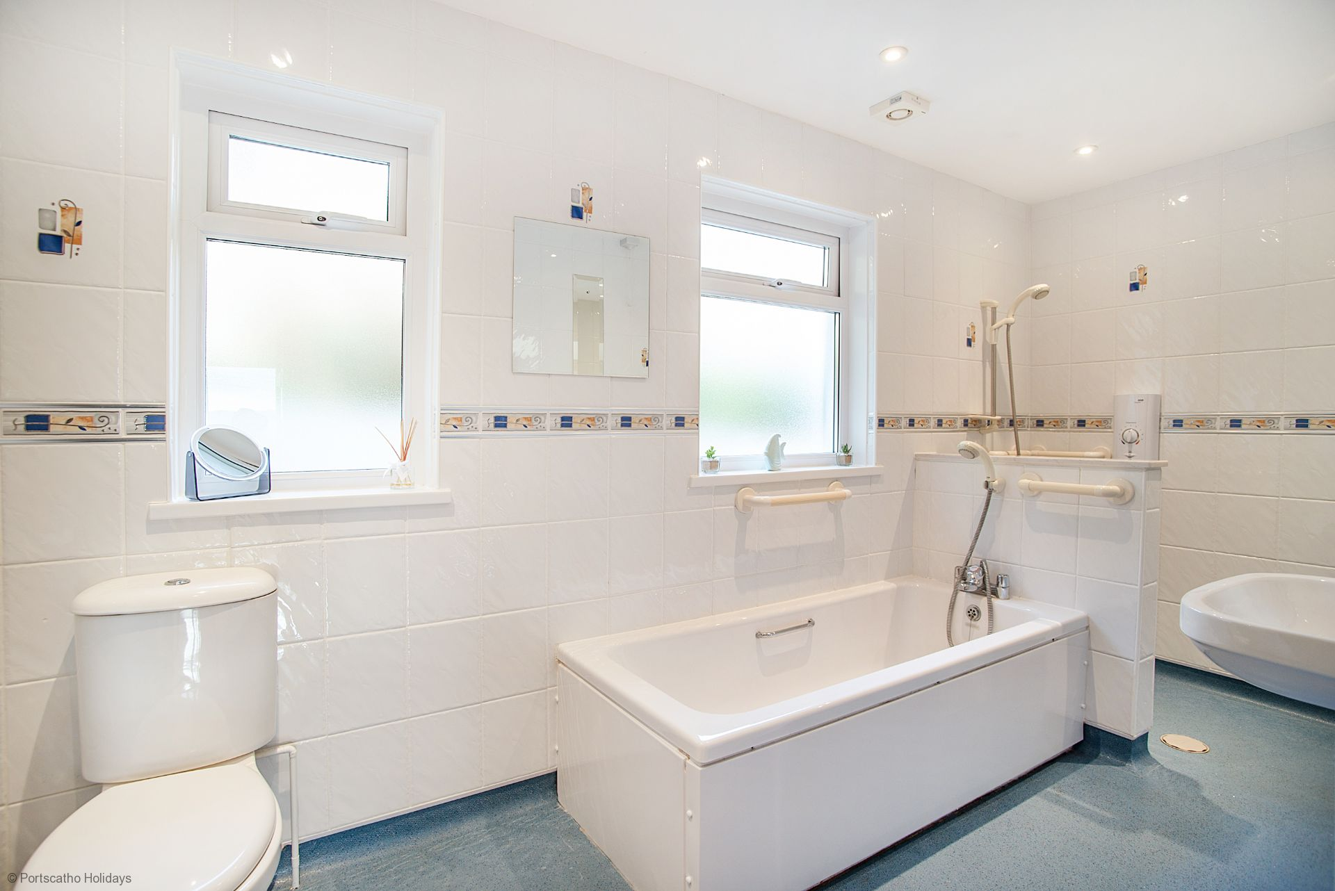Jim's Cottage; St Mawes; Bath/Shower Room