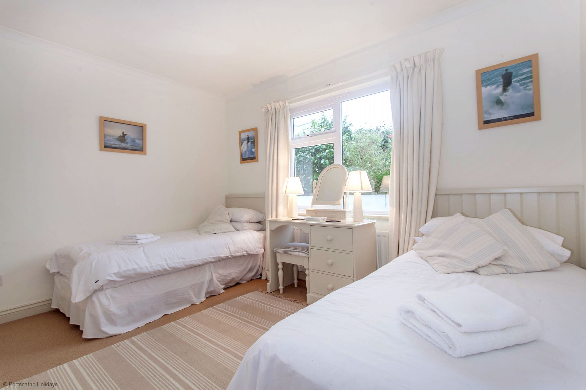 Poldhu; St Mawes; Twin Bedroom