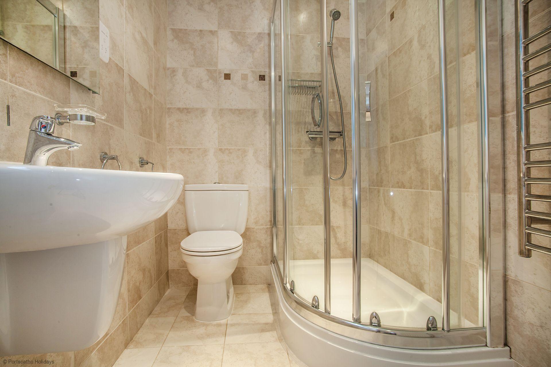 A Loft; St Mawes; Family Bathroom