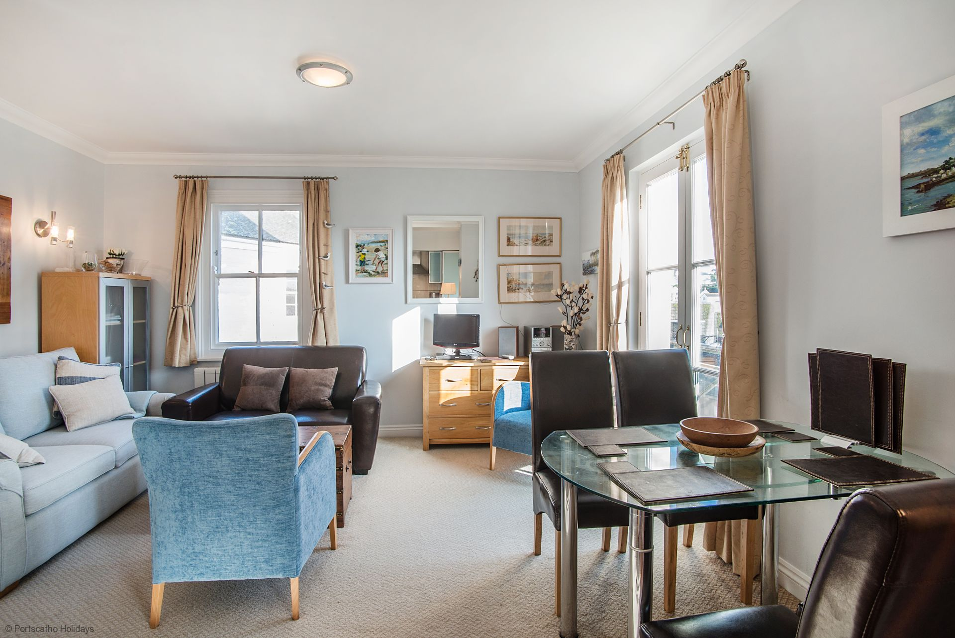 Helm; St Mawes; Dinning Room/Lounge
