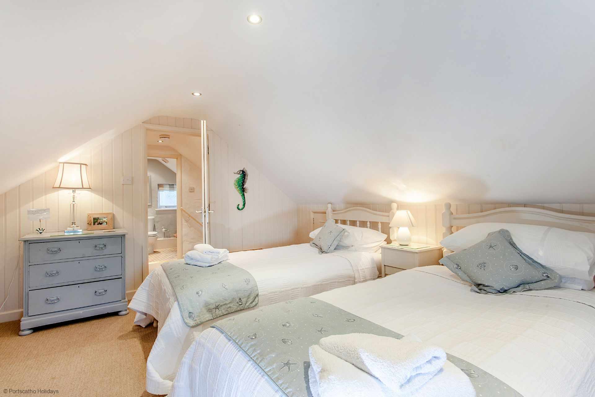 Castle Cottage; St Mawes; Twin Bedroom III