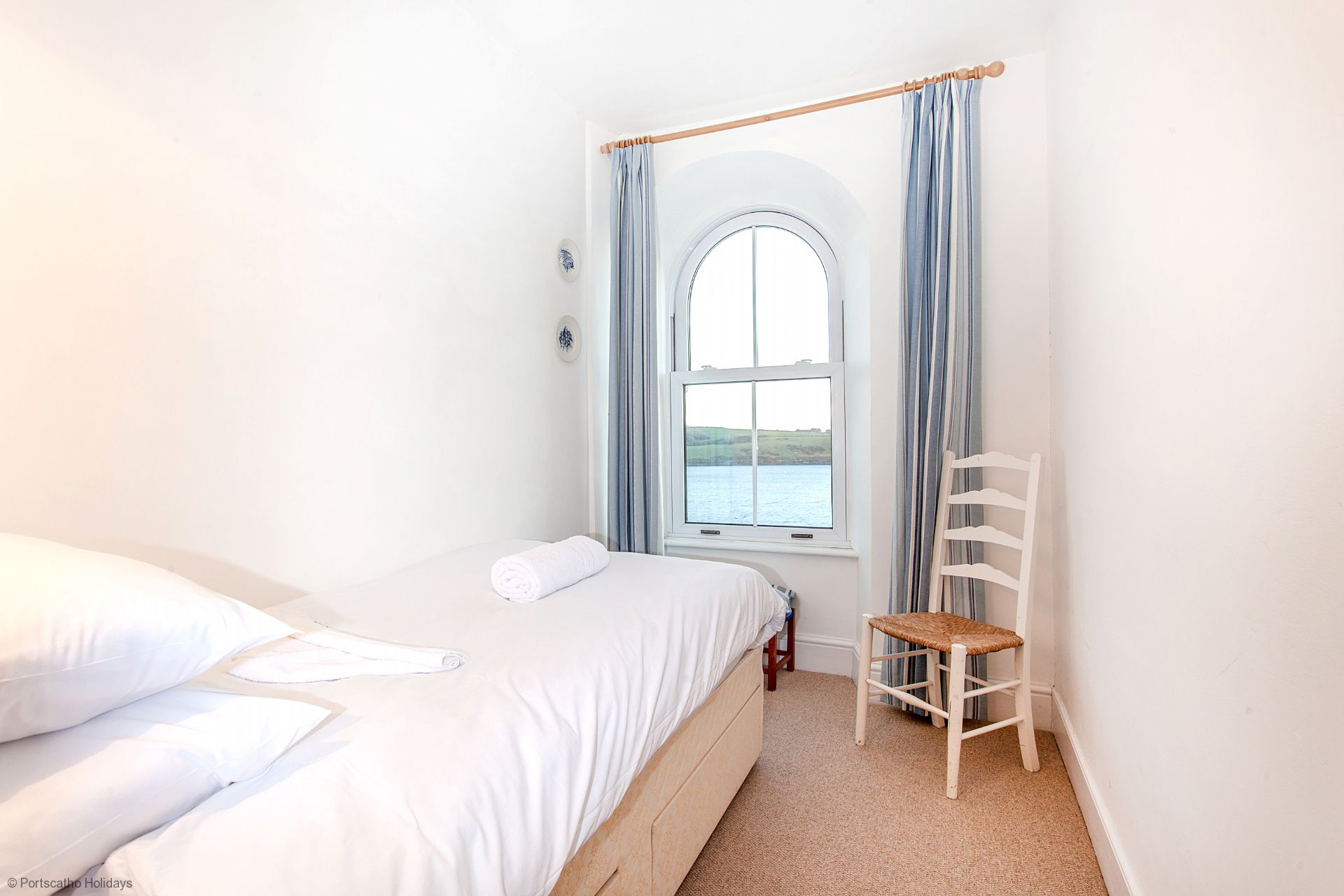 Captains Cottage; St Mawes; First Floor Single Bedroom