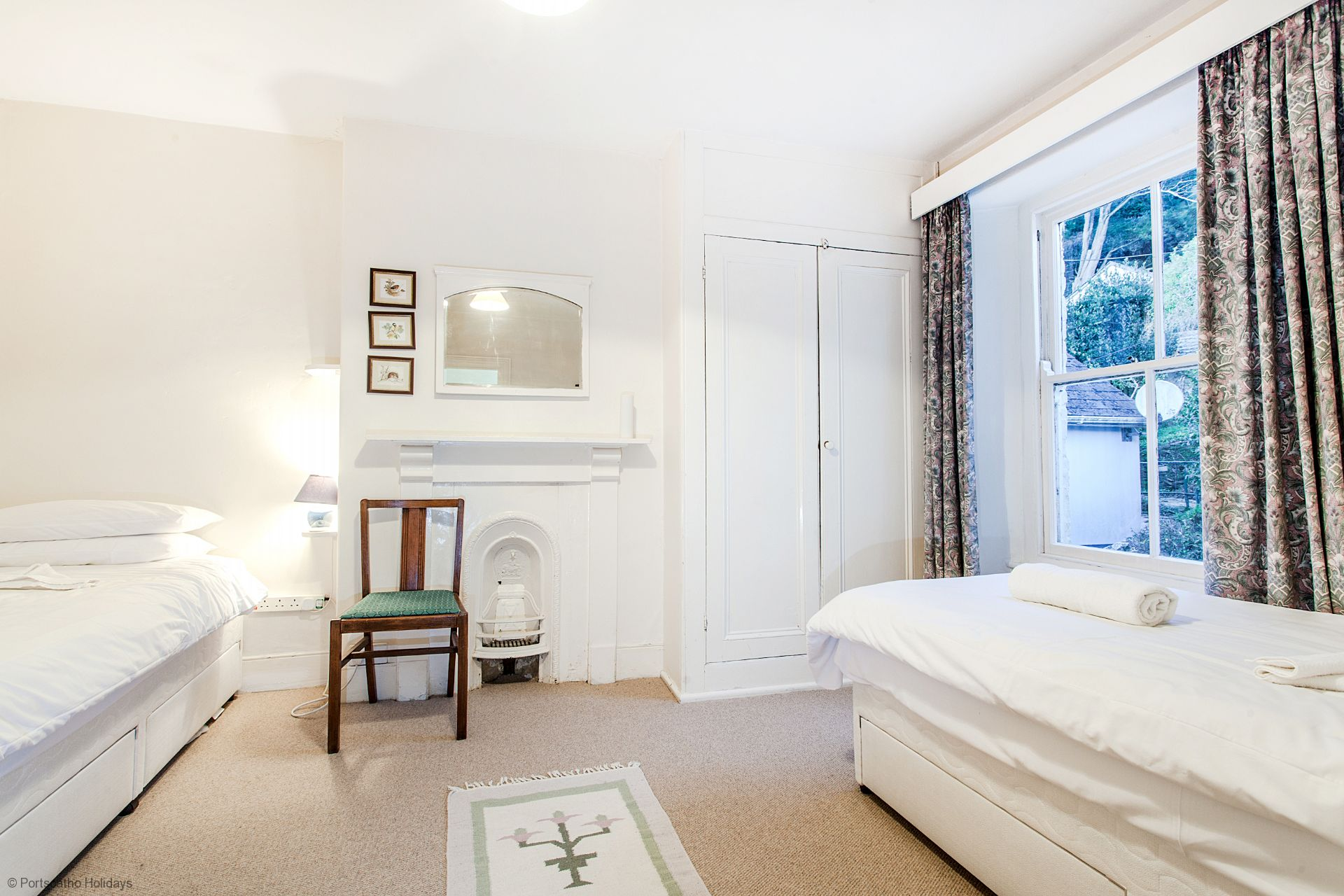Captains Cottage; St Mawes; First Floor Twin Bedroom