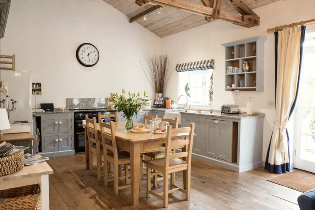 Burrows ground floor: Kitchen & dining area in the spacious open plan living space