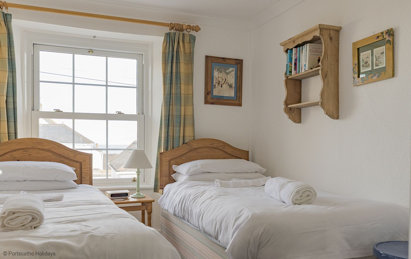 Trecarol, Portscatho - Roseland & St Mawes cottages