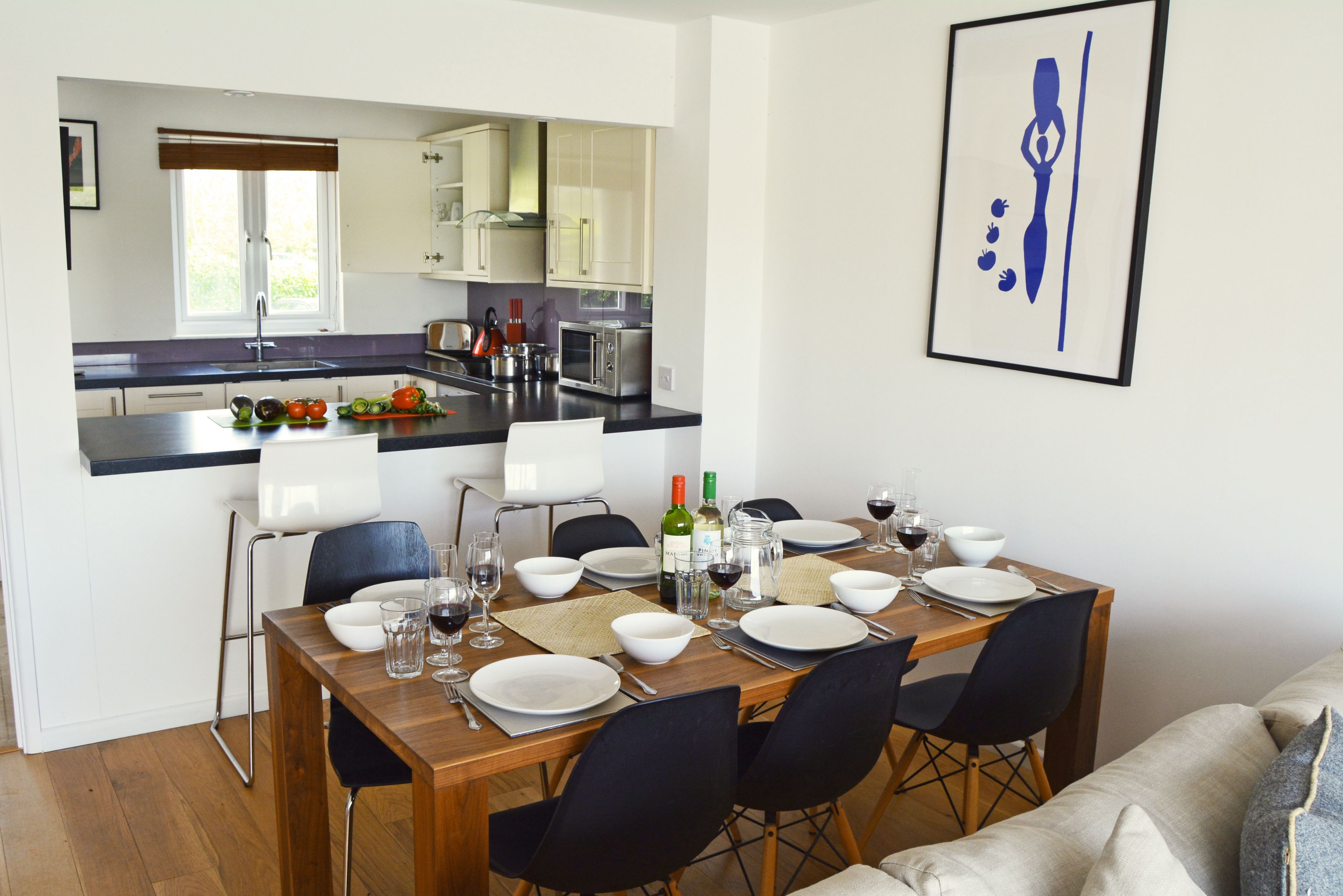 Ground floor: Dining area and kitchen in the open plan living space