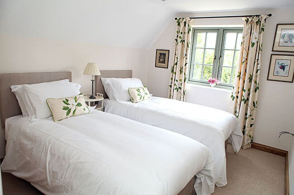 First floor: Twin room with zip and link twin beds (can be super kingsize on request)