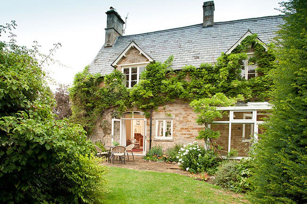 Lodge Cottage, sleeping four, is a traditional eighteenth century cottage with its own walled south-facing garden
