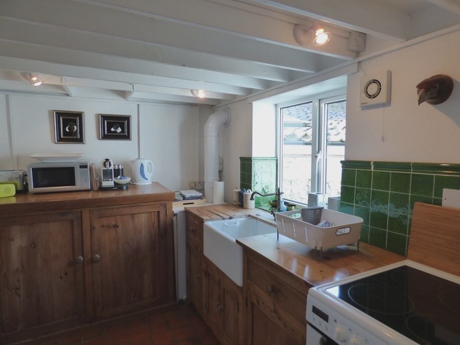 Lugger Cottage | Kitchen