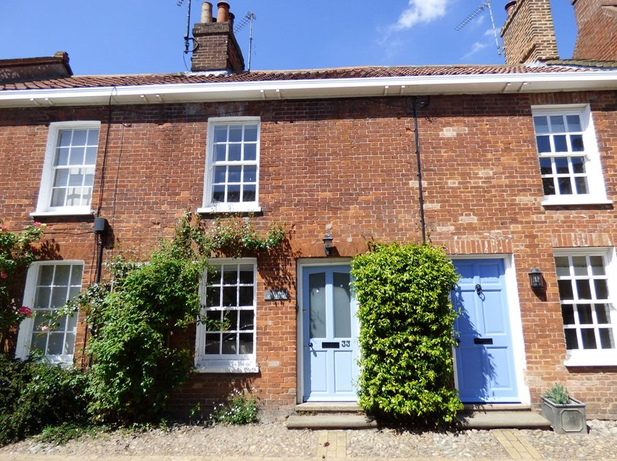 Petts Cottage | Front