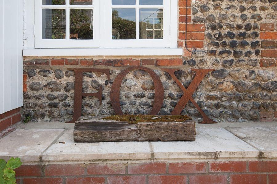 Fox Cottage   FOX