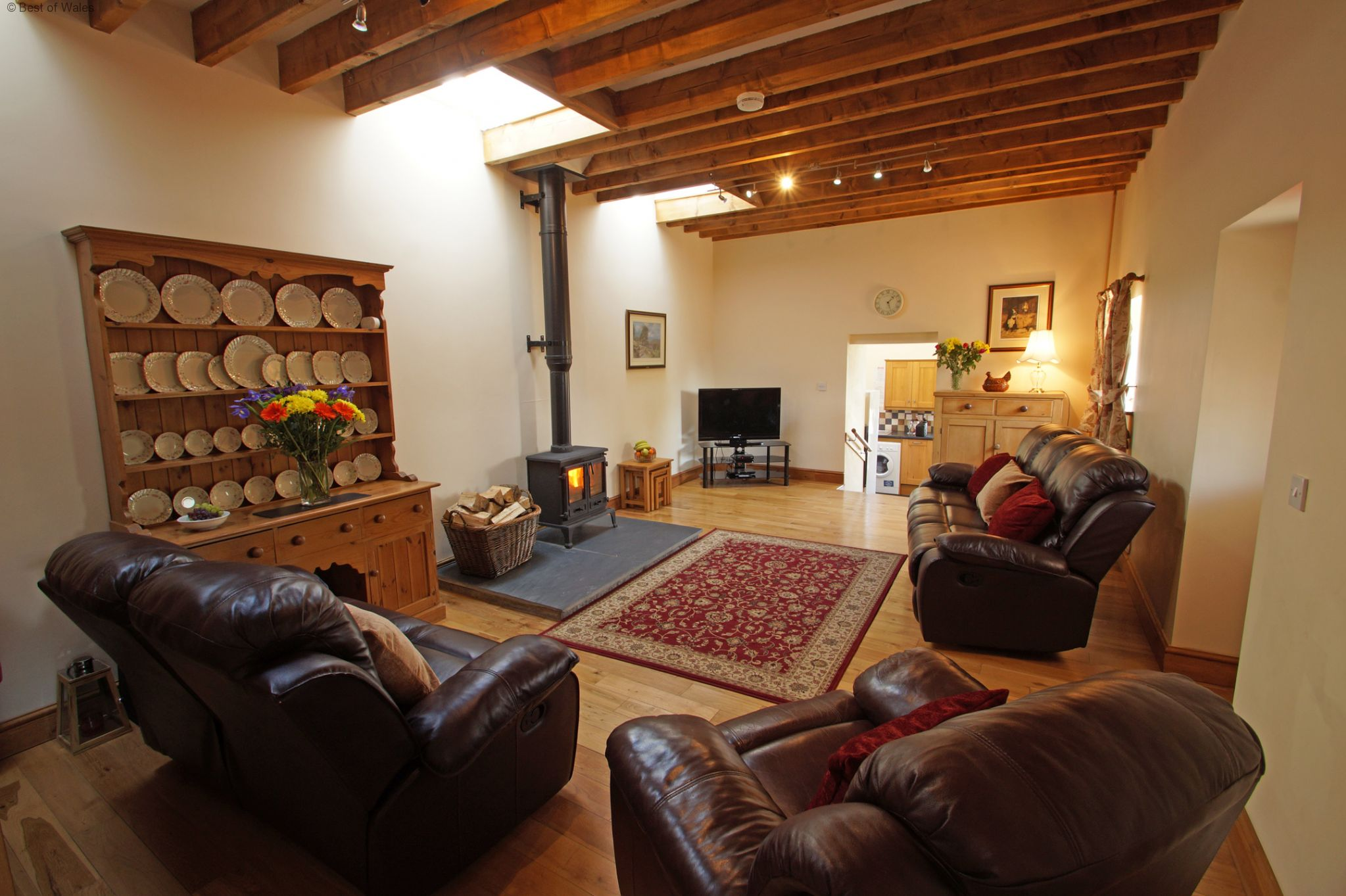 Cottage to rent in wales near the clwydian range for Living room north end