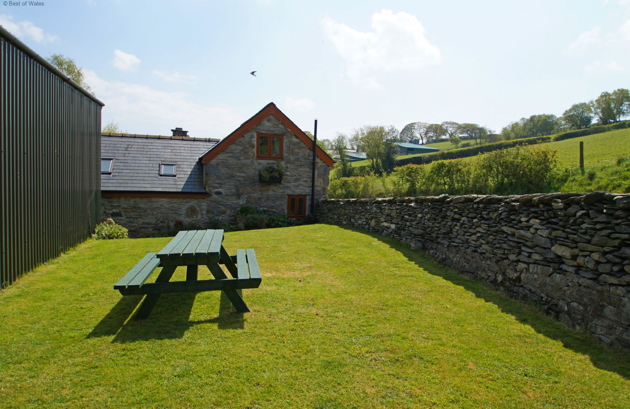 Cheap cottages in wales to rent wales friendly cottage in for Cheap cottages