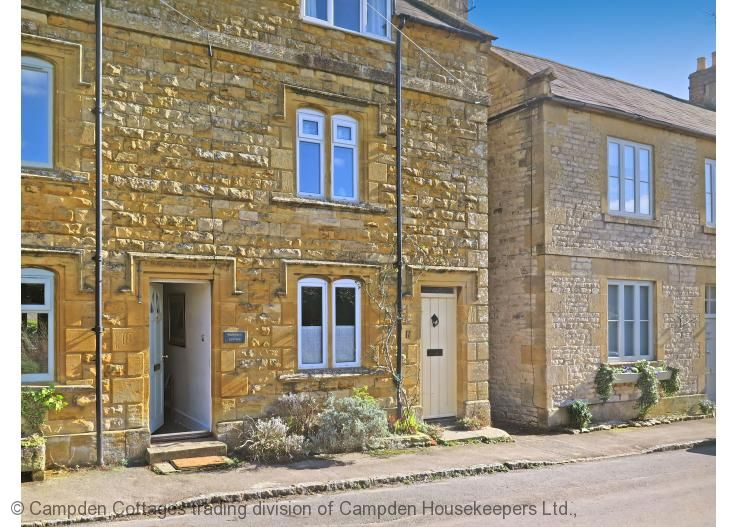 Traditional Cotswold Stone Cottage