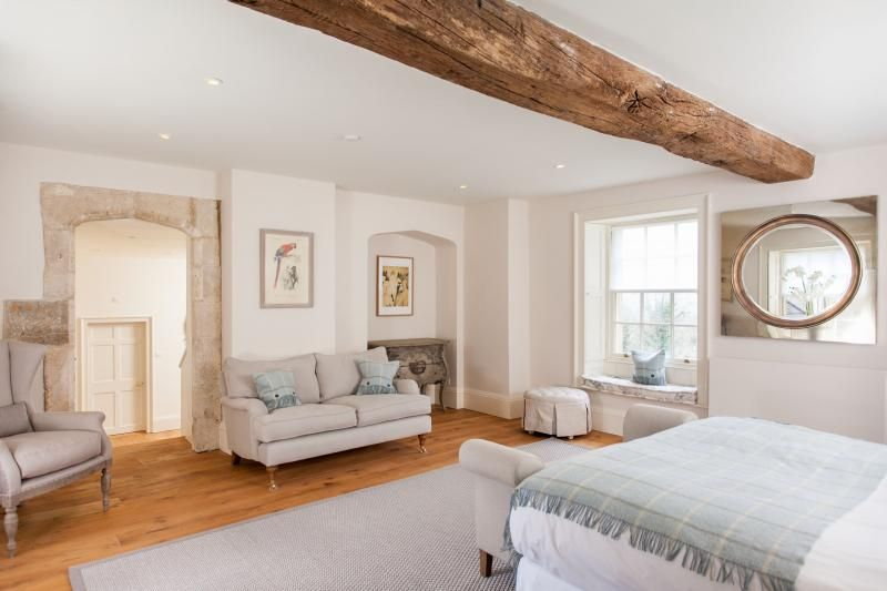 Week farm manor holiday accommodation in bath sleeps 8 for Dressing area in bedroom