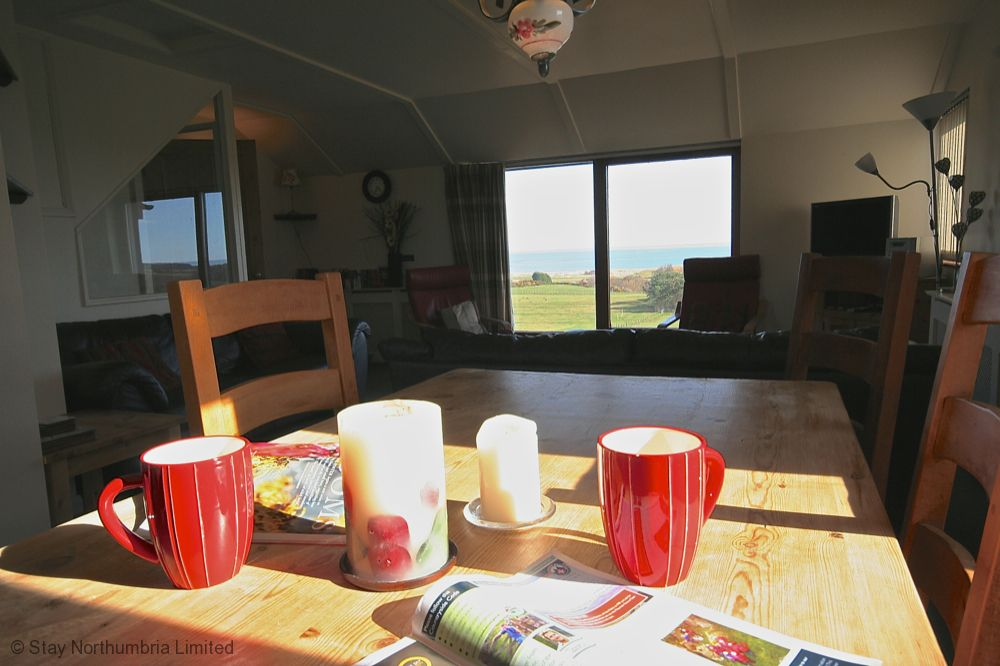 Great holiday cottage, views to Embleton Bay and Dunstanburgh Castle