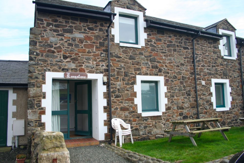 2 bedroom stone cottage with views to Embleton Bay