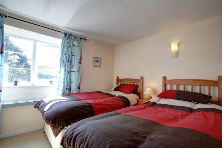 Twin third bedroom