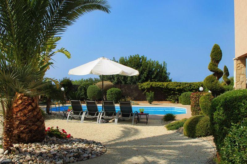 Kouklia Villa Kerrie Blue Skies above Pool Area