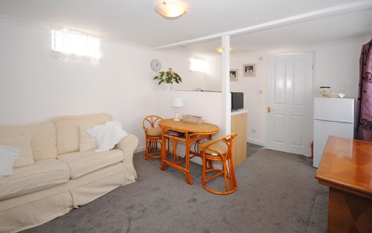 Dog Friendly Cottages In Selsey