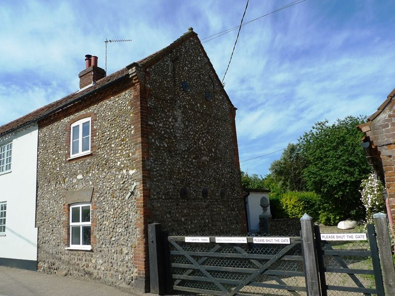 Lugger Cottage | Front
