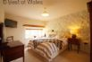 Level entry ensuite bedroom with super king sized bed / twin on request